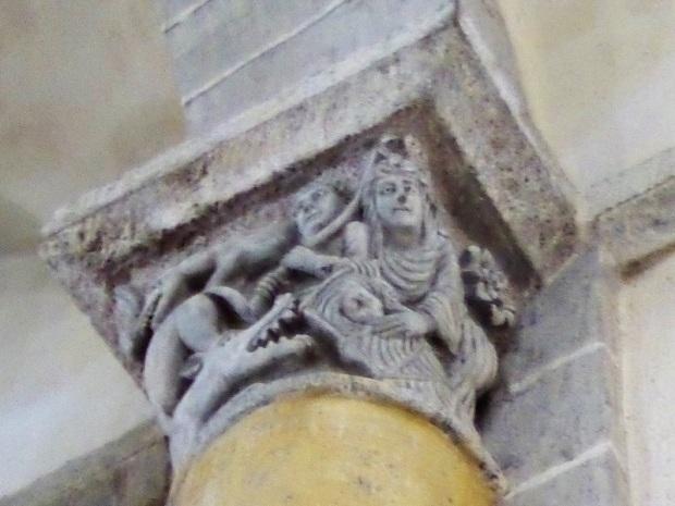 St. nectaire. Capitel muro norte. Moisés salvado de las aguas 1