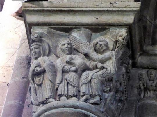 458. Capitel de la nave. Las Santas Mujeres ante la tumba vacía