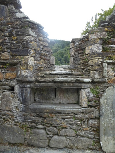 824. Glendalough. Catedral. Muro sur