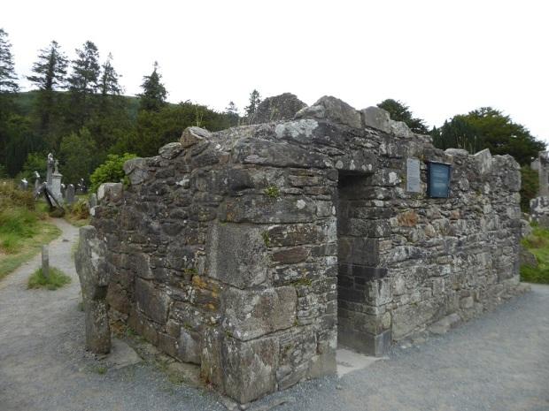 835. Glendalough. Casa del Prior