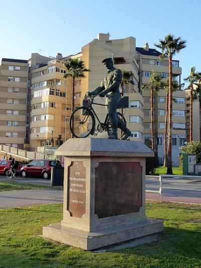 19. La Línea de la Concepción. Monumento a los trabajadores españoles en Gibraltar