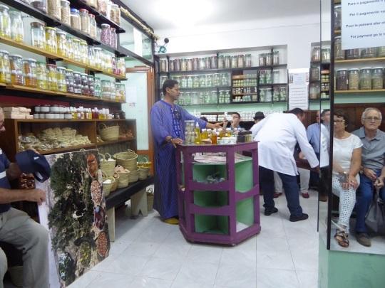 235. Marrakech. Zoco. Herbolario