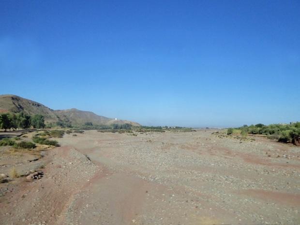 382. Hacia el desierto