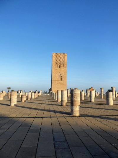82. Rabat. Torre Hasan y mezquita inacabada.JPG