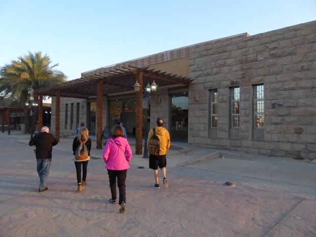 012. Entrada al templo de Karnak
