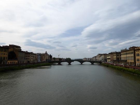 023. El Puente alla Carraia desde el puente Santa Trinita