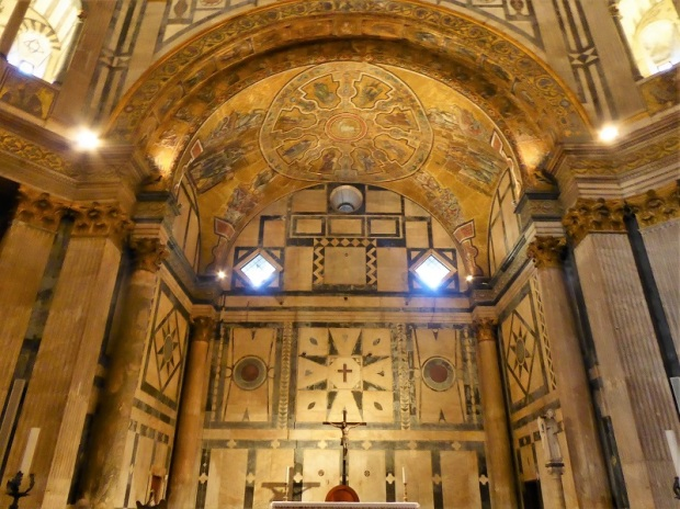 071. Batisterio. Bóveda del ábside