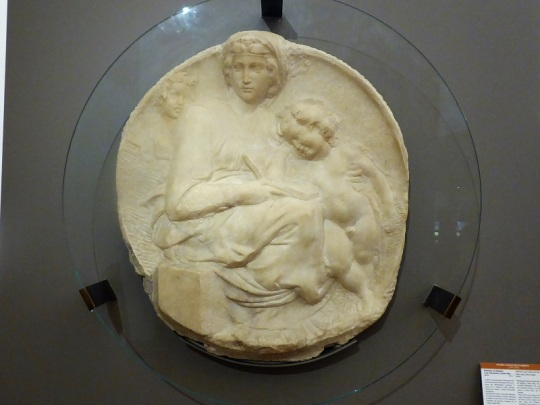 1005. Museo del Bargello. Tondo Pitti. Miguel Ángel. 1505
