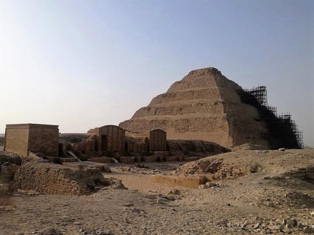 1009. Saqqara. Pirámide de Zoser