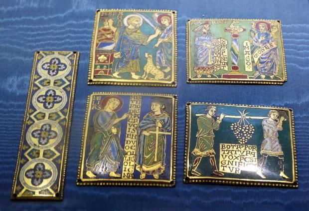 1043. Museo del Bargello. Placas para cruz. Esmalte champléve. Arte mosana. Segunda mitad del XII