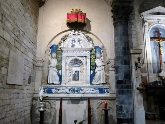 1074. Santos Apóstoles. altar de Andrea della Robbia