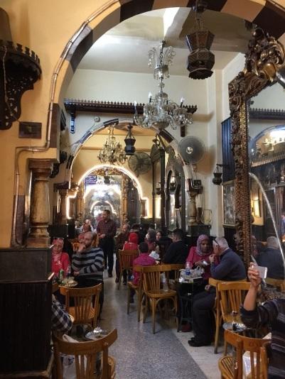 1113. El Cairo. Café de los Espejos