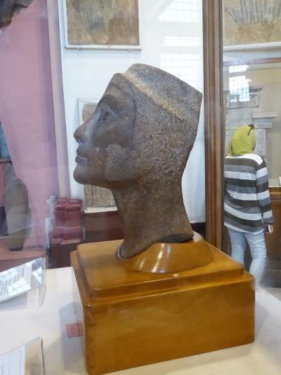 1148 Museo de Antigüedades. Cabeza de Nefertiti