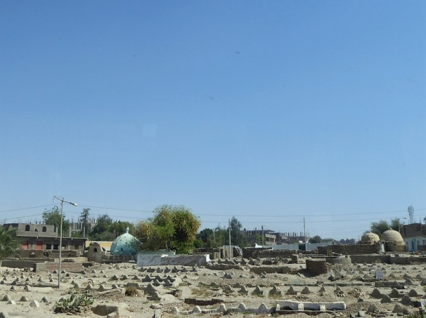 132. Luxor. Orilla oeste. Cementerio