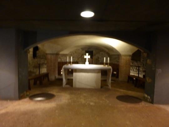 153. Duomo. Restos de Santa Restituta