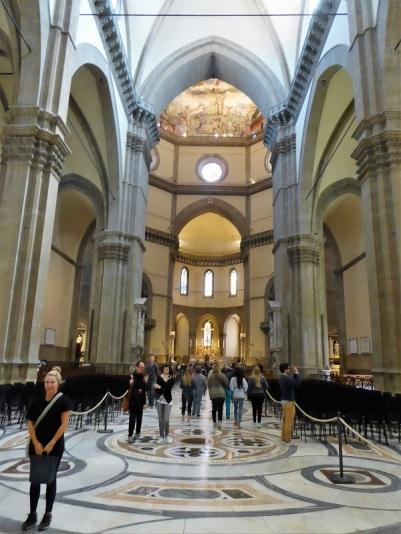 161. Duomo. Nave central