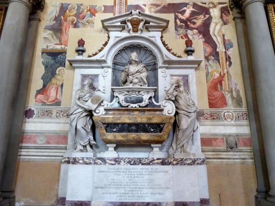 191. Santa Croce. Tumba de Galileo