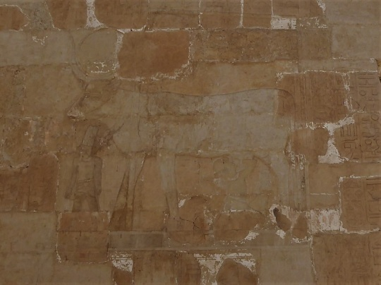 196. Templo de Hatshepsup. Capilla de Hathor