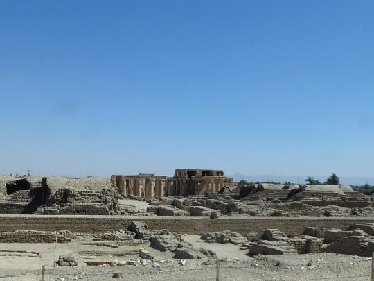 202. Regresando del templo de Hatshepsup