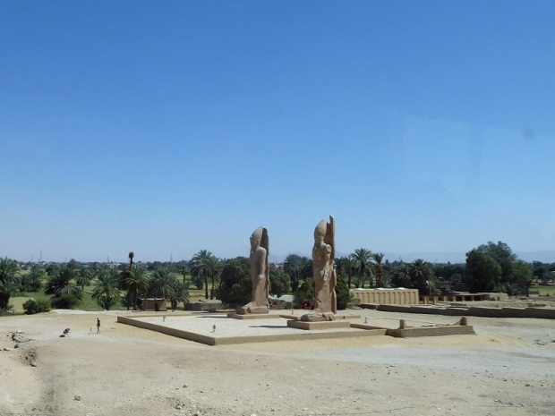 204. Regresando del templo de Hatshepsup