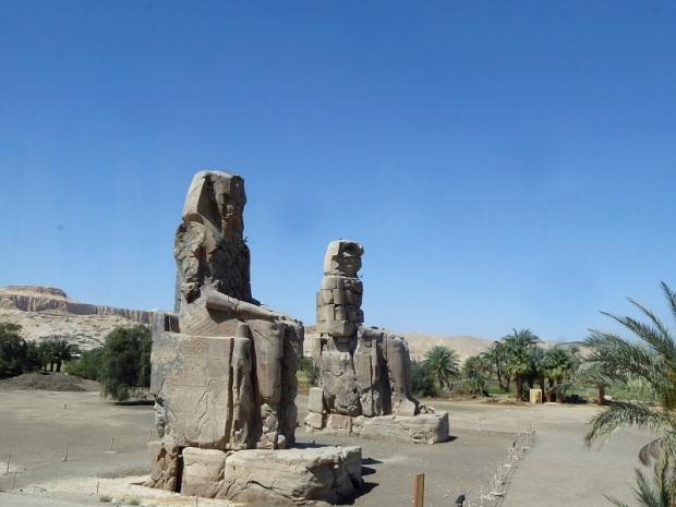 209. Colosos de Memnon
