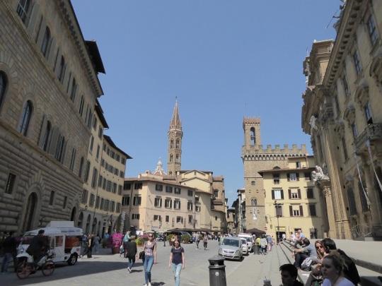 225. Piazza San Firenze