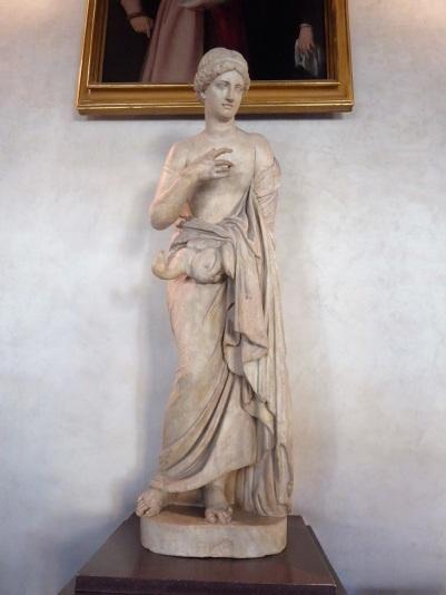 294. Uffizi. Leda y el cisne. Siglo II
