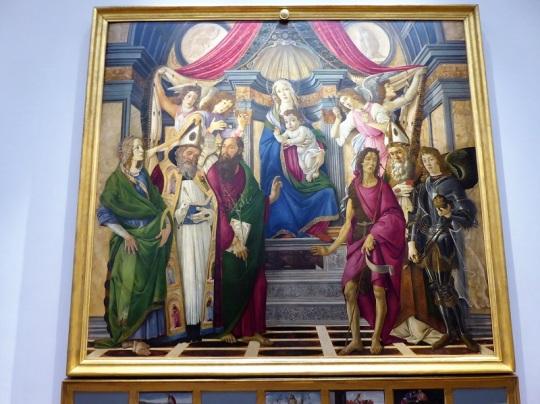 327. Los Uffizi. virgen con el Niño, ángles y santos. Botticelli. 1487-1488
