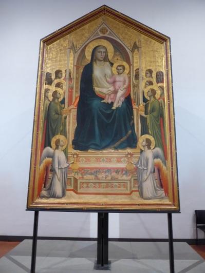 338. Los Uffizi. Majestad de Ognisanti. Giotto. 1306-1310