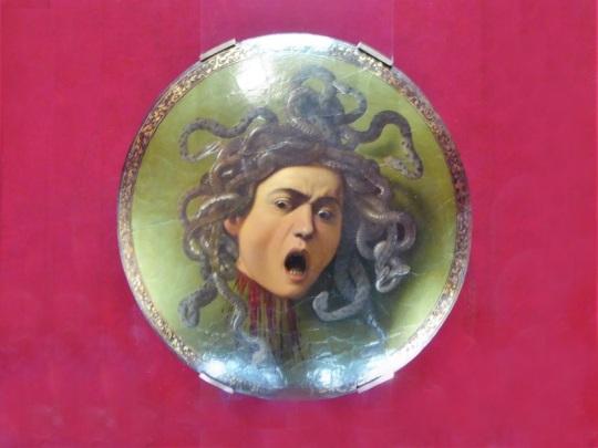 357. Los Uffizi. Medusa. Caravaggio. 1595-1598