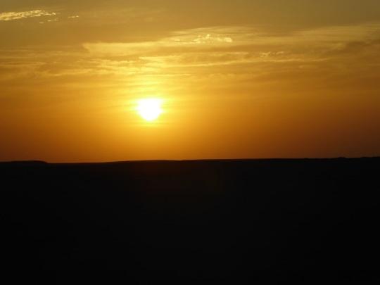410. Camino a Abu Simbel. Amanecer en el desierto