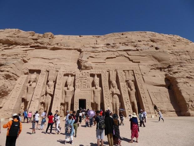 452. Abu Simbel. Templo de Nefertari