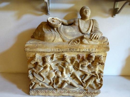 488. Museo arqueológico. Sarcófago etrusco