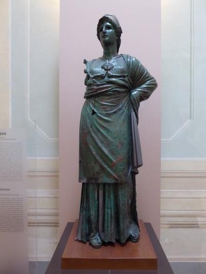 524. Museo arqueológico. Minerva de Arezzo. 300-280 a. C.