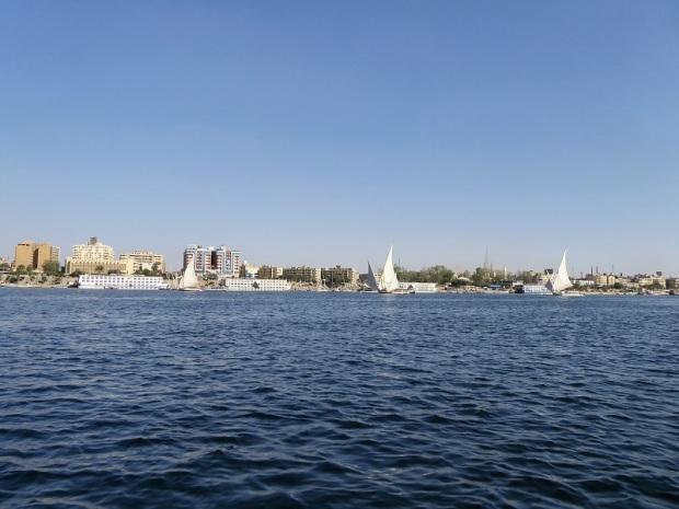 567. Paseo en barca alrededor de la isla Elefantina