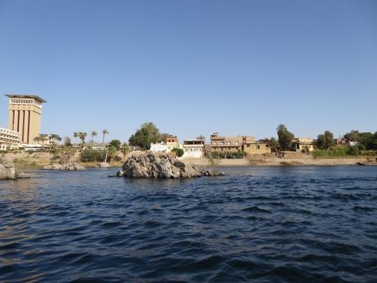 570. Paseo en barca alrededor de la isla Elefantina