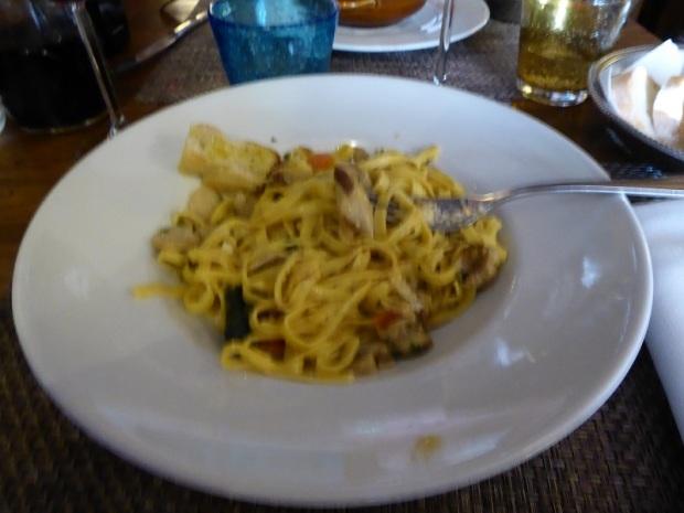 571. Comiendo en Vieccho Mercato