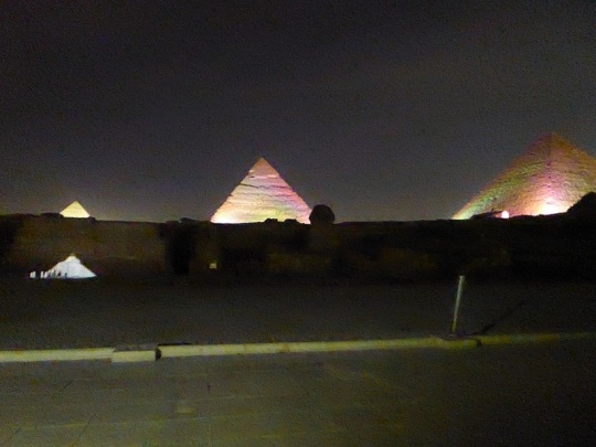 794. Luz y sonido en las Pirámides