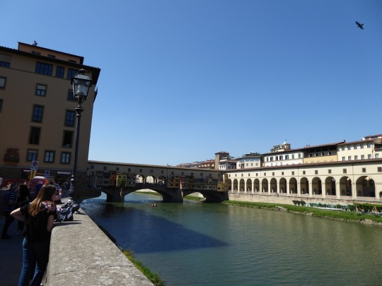 807. Vistas sobre el Arno