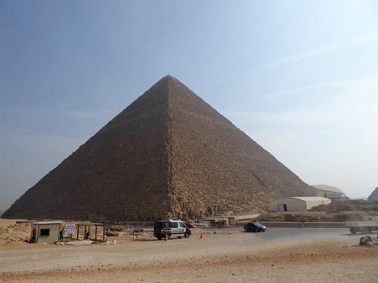 844. Pirámide de Keops
