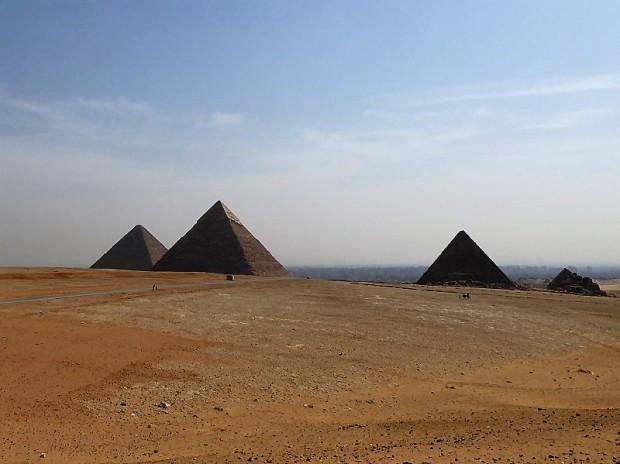 861. Panorámica de las Pirámides