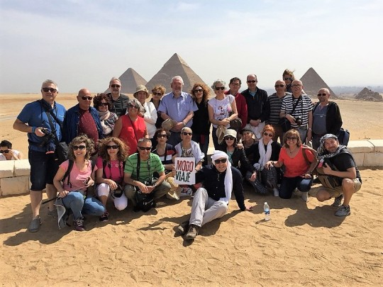 864. Panorámica de las Pirámides