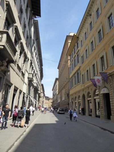 940. Via Tornabuoni