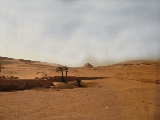 982. Llegando a Saqqara