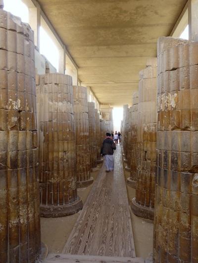 999. Saqqara. Pirámide de Zoser. Edificios cercanos