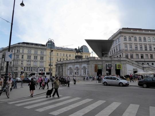 009. Albertina Platz