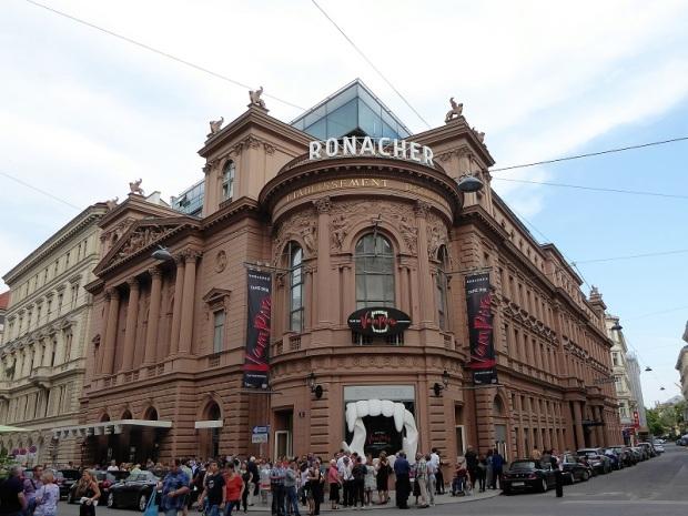 014. Teatro Ronacher