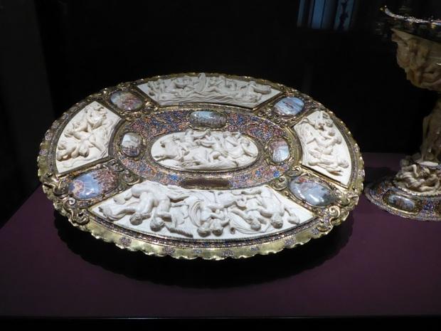 087. Museo de Bellas Artes. Palangana de lujo, XVII