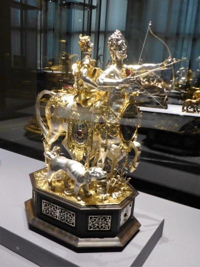 106. Museo de Bellas Artes. Autómata con Diana y centauro. Principios del XVII