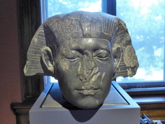 195. Museo de Bellas Artes. Cabeza de una esfinge de Sesostris III